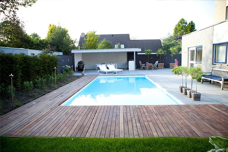 vos tuinvisie tuin met zwembad
