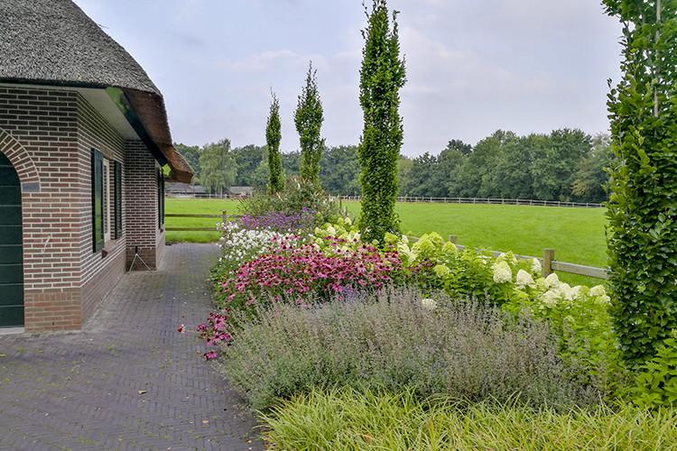 Landelijke tuin laten aanleggen door Vos Tuinvisie