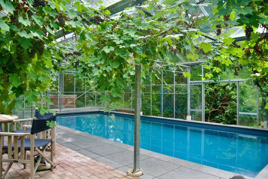 Aanleg zwembad in kas in Hattem